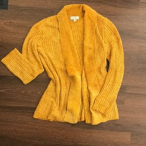 🌻Chenille cardigan - like new🌻